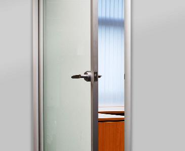 Межкомнатные цельностеклянные двери